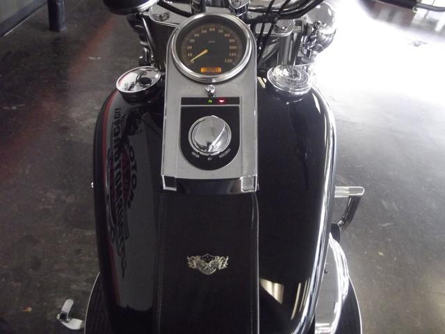 2005 Harley-Davidson Heritage Softail® Classic FLSTC Arlington, Texas 11