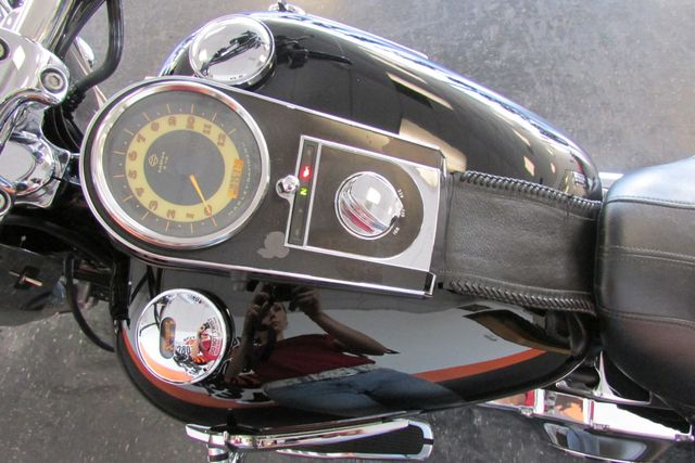 2005 Harley-Davidson Softail® Deluxe Arlington, Texas 26