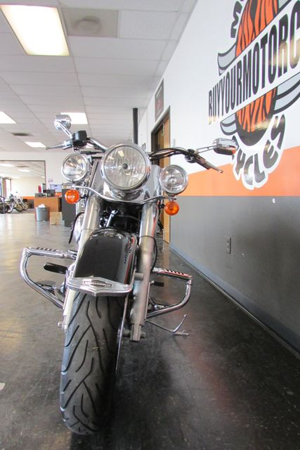 2005 Harley-Davidson Softail® Deluxe Arlington, Texas 3