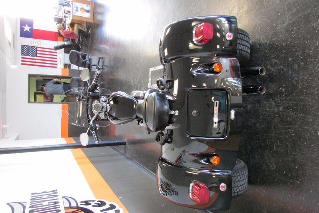 2005 Harley-Davidson Sportster® 1200 Custom Arlington, Texas 9