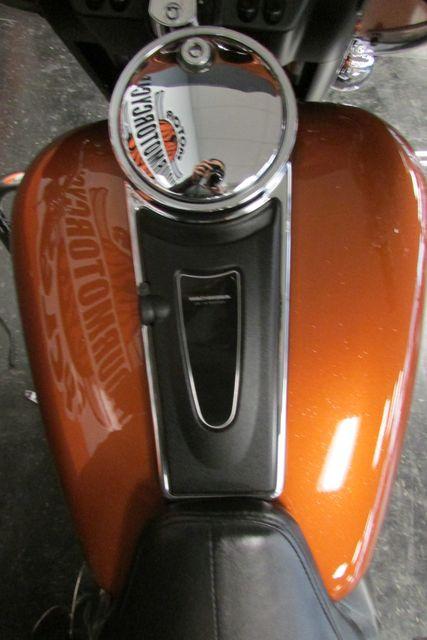 2005 Harley Davidson ULTRA CLASSIC ELECTRA GLIDE    FLHTCUI Arlington, Texas 28