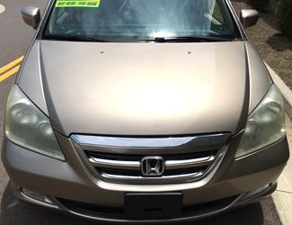 2005 Honda-2-Owner!! 35 Service Records! Odyssey-CARMARTSOUTH.COM TouringBUY HERE PAY HERE Knoxville, Tennessee 1