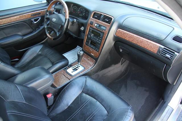 2005 Hyundai XG350 L Santa Clarita, CA 9