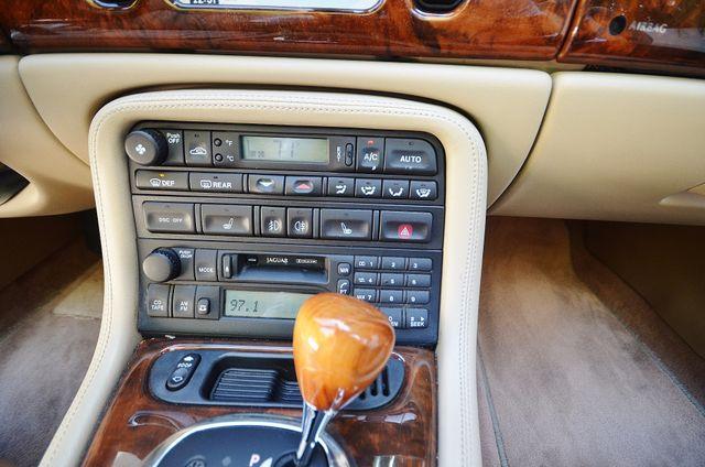 2005 Jaguar XK8 Reseda, CA 10