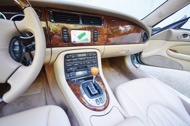 2005 Jaguar XK8 Reseda, CA 36