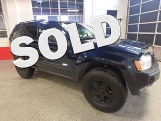 2005 Jeep Grand Cherokee AWD, new GRABBER tires ~ Amazing rig! Saint Louis Park, MN