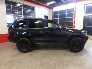 2005 Jeep Grand Cherokee AWD, new GRABBER tires ~ Amazing rig! Saint Louis Park, MN 1