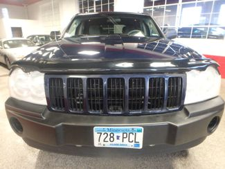 2005 Jeep Grand Cherokee AWD, new GRABBER tires ~ Amazing rig! Saint Louis Park, MN 15