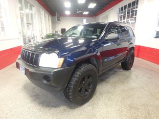 2005 Jeep Grand Cherokee AWD, new GRABBER tires ~ Amazing rig! Saint Louis Park, MN 6