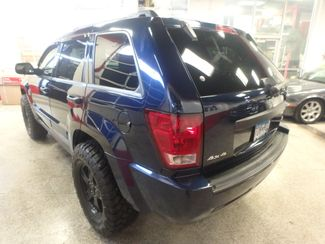 2005 Jeep Grand Cherokee AWD, new GRABBER tires ~ Amazing rig! Saint Louis Park, MN 8