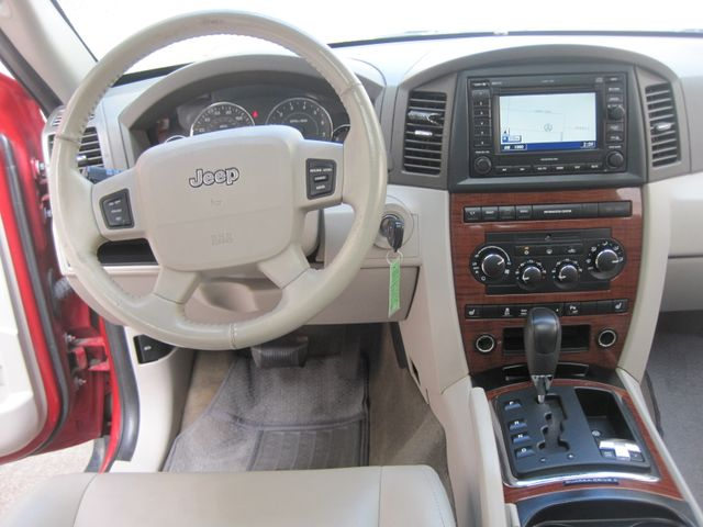 2005 Jeep Grand Cherokee Limited 4x4, Nav, Roof, Hemi, Only 120k Miles Plano, Texas 19