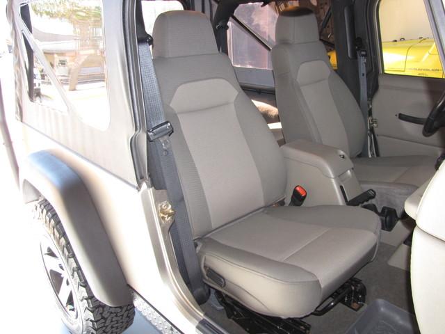 2005 Jeep Wrangler Rubicon Sahara Jacksonville , FL 35
