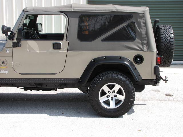 2005 Jeep Wrangler Unlimited Rubicon Sahara Jacksonville , FL 6