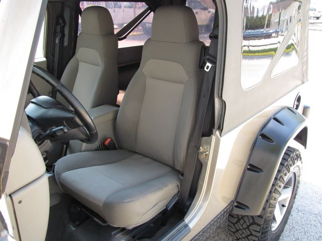 2005 Jeep Wrangler Unlimited Rubicon Sahara Jacksonville , FL 32