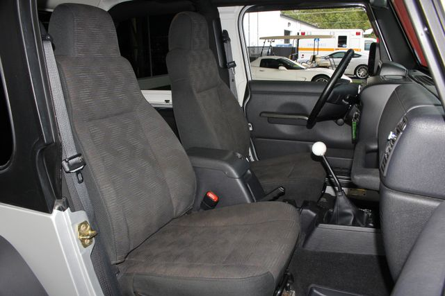 2005 Jeep Wrangler Sport 4X4 - TONS OF EXTRA$! Mooresville , NC 13