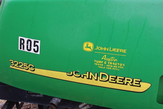 2005 John Deere 3225C Fairway Mower San Antonio, Texas 1