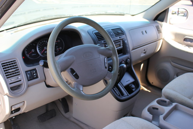 2005 Kia Sedona LX-QUAD SEATS Mooresville , NC 18