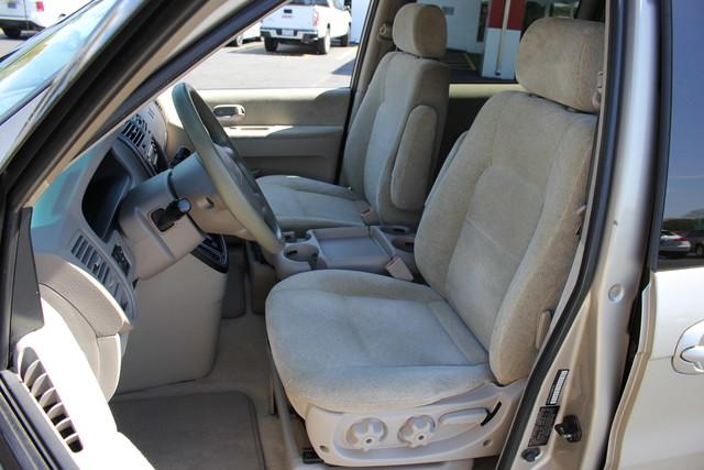 2005 Kia Sedona LX-QUAD SEATS Mooresville , NC 19