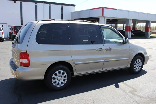 2005 Kia Sedona LX-QUAD SEATS Mooresville , NC 6