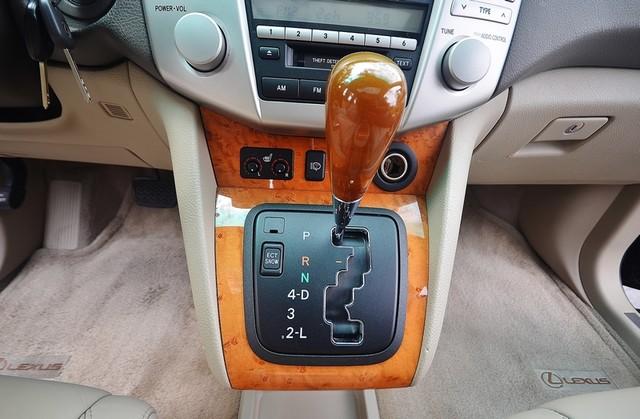 2005 Lexus RX 330 4WD - AUTO - PREMIUM PKG - SUNROOF - 1-OWNER Reseda, CA 9