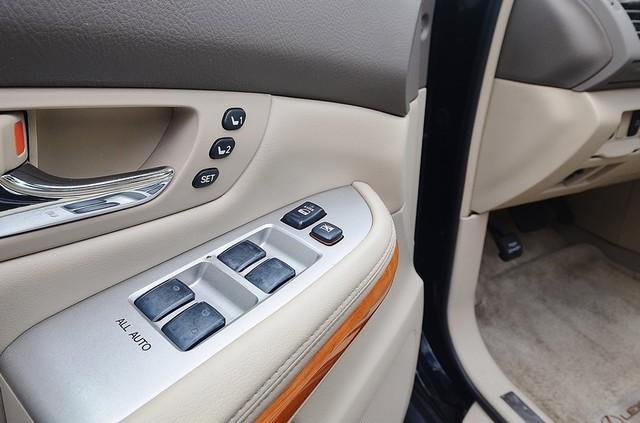 2005 Lexus RX 330 4WD - AUTO - PREMIUM PKG - SUNROOF - 1-OWNER Reseda, CA 28