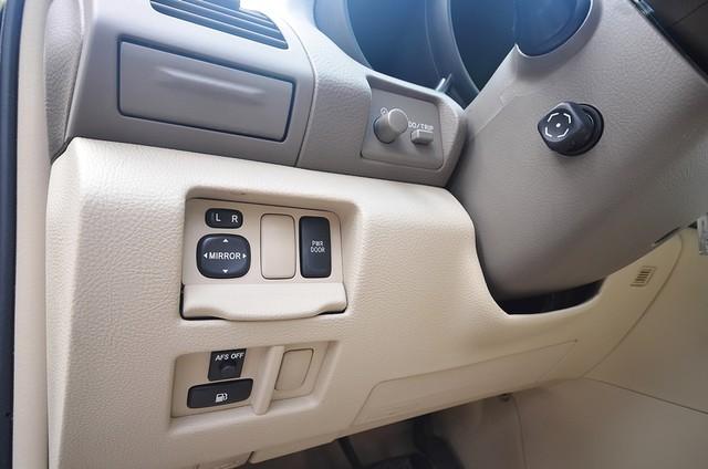 2005 Lexus RX 330 4WD - AUTO - PREMIUM PKG - SUNROOF - 1-OWNER Reseda, CA 32