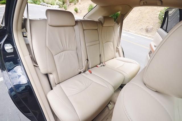 2005 Lexus RX 330 4WD - AUTO - PREMIUM PKG - SUNROOF - 1-OWNER Reseda, CA 36
