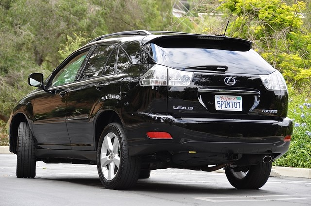 2005 Lexus RX 330 4WD - AUTO - PREMIUM PKG - SUNROOF - 1-OWNER Reseda, CA 3
