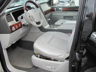 2005 Lincoln Navigator Ultimate Dickson, Tennessee 1