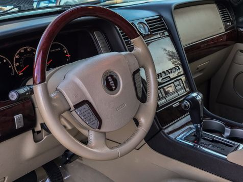 2005 Lincoln Navigator Luxury AWD in Puyallup, Washington