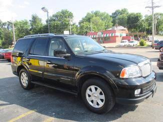 2005 Lincoln Navigator ULTIMATE 4WD Saint Ann, MO 1
