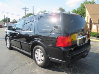 2005 Lincoln Navigator ULTIMATE 4WD Saint Ann, MO 10