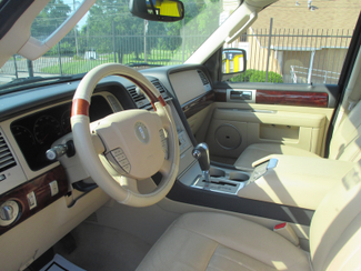 2005 Lincoln Navigator ULTIMATE 4WD Saint Ann, MO 11