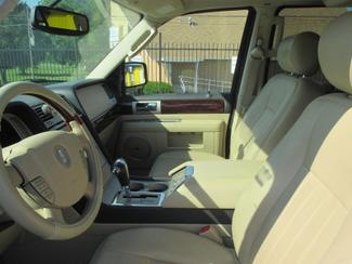 2005 Lincoln Navigator ULTIMATE 4WD Saint Ann, MO 12
