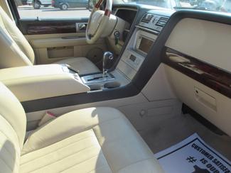 2005 Lincoln Navigator ULTIMATE 4WD Saint Ann, MO 25