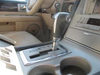 2005 Lincoln Navigator ULTIMATE 4WD Saint Ann, MO 28