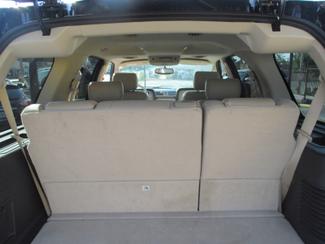 2005 Lincoln Navigator ULTIMATE 4WD Saint Ann, MO 40