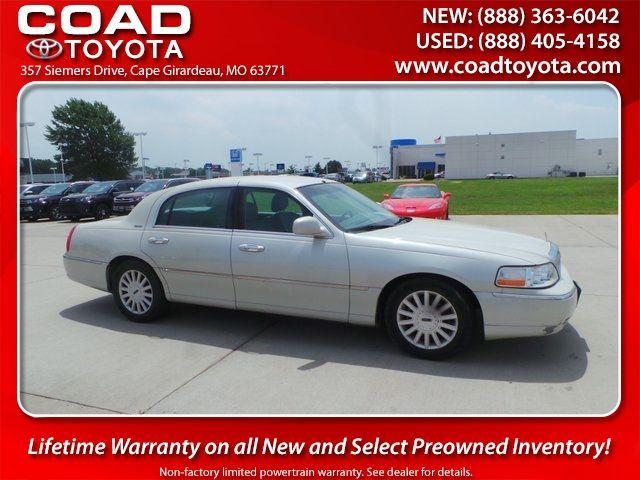 2005 Lincoln Town Car Signature Cape Girardeau, Missouri 0