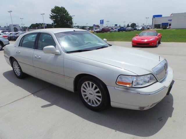 2005 Lincoln Town Car Signature Cape Girardeau, Missouri 2
