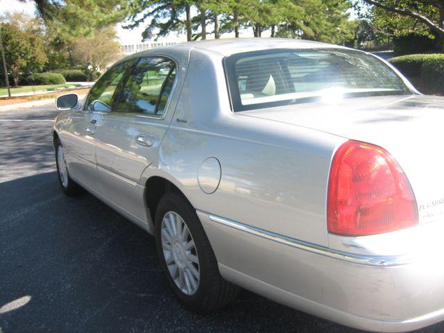 2005 Lincoln Town Car Signature Chamblee, Georgia 11