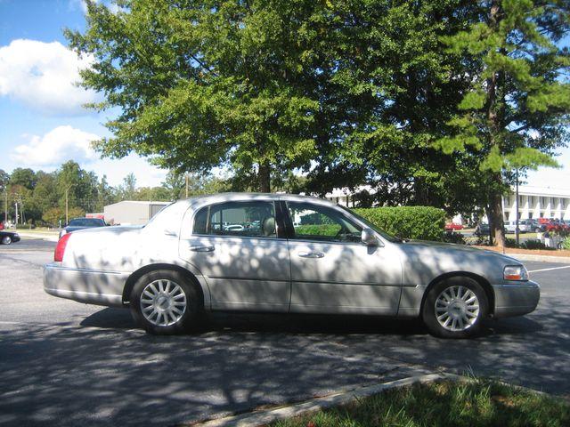 2005 Lincoln Town Car Signature Chamblee, Georgia 5