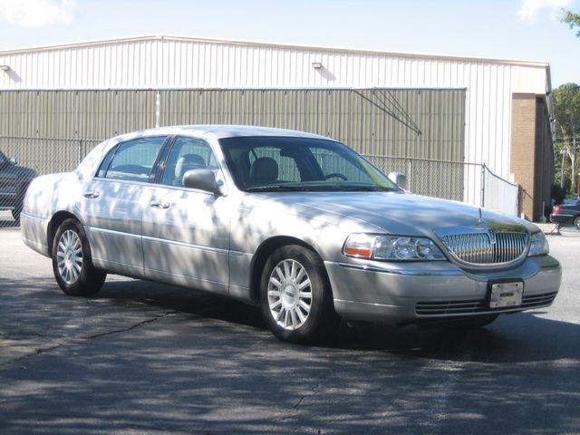 2005 Lincoln Town Car Signature Chamblee, Georgia 6