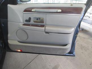 2005 Lincoln Town Car Signature Gardena, California 12