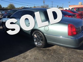 2005 Lincoln Town Car Signature Limited AUTOWORLD (702) 452-8488 Las Vegas, Nevada