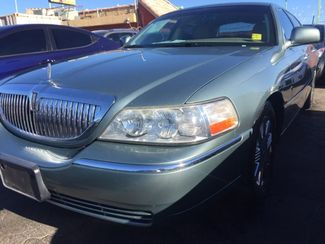 2005 Lincoln Town Car Signature Limited AUTOWORLD (702) 452-8488 Las Vegas, Nevada 1