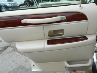 2005 Lincoln Town Car Signature Limited Memphis, Tennessee 19