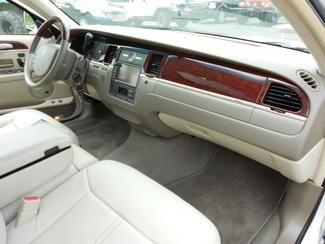 2005 Lincoln Town Car Signature Limited Memphis, Tennessee 23