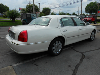 2005 Lincoln Town Car Signature Limited Memphis, Tennessee 3