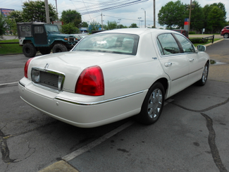2005 Lincoln Town Car Signature Limited Memphis, Tennessee 38