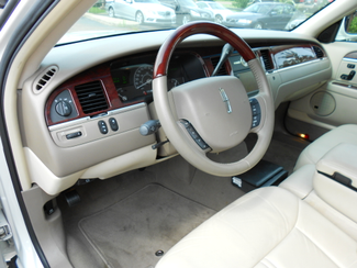 2005 Lincoln Town Car Signature Limited Memphis, Tennessee 12